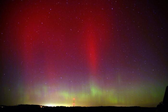 Photo: Auroral display, Knox County, Ohio, Oct. 24, 2011. By Joe Golias.